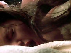 Nitzi Arellano, Angelina Jolie - Ursprungliga Synden