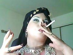 zeita bella donna,o femeie durdulie nefumători tigan regina
