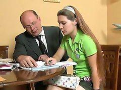 Trekant leksjon med eldre lærer
