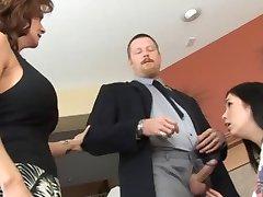 Aviomies ja Vaimo Kurinalaisuutta Lapsenvahti