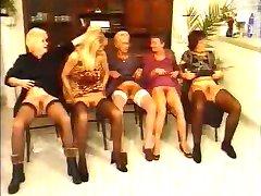 Duitse oma ' s hebben mooie orgie door fdcrn