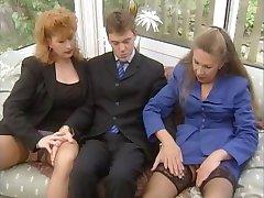 Gamle Damer Ekstrem - Alte Stuten hart geritten