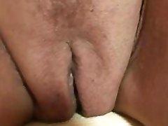 Sexy bestemor suger og slepebåter to kuker