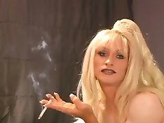 Smoking Hot Heather