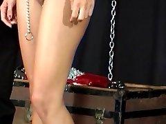 Kadın seks kölesi Master oyun
