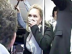 Rubia buscó orgasmo en autobús