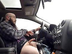 Conducción y Acariciando mi Polla