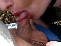Fetiche Gótico Señora chupa pene adolescente