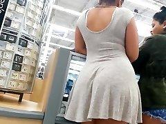 Sincero espólio misto de menina no vestido