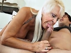 HOT GRANNIES SUCKING CHISELS COMPILATION 4