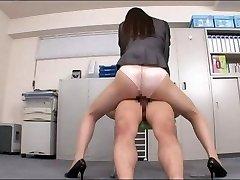 Office lady enjoying your man sausage