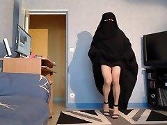musulmane seins nus cs nikáb et džilbáb