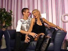 SexTape Německo - EMO radost s německým BBW kurva bizarní týpek, oblečená jako služka