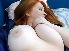 Velký breasted zlato