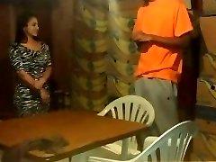 巴西青少年获得他妈的黑色暴徒生