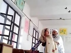 Desi head master bang urdu tutor school affair caught mms