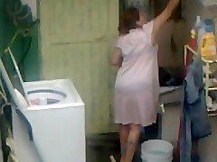 Spying Aunty Ass Washing ... Big Butt Plump Plumper Mom