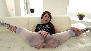 Greedy for gravy Asian female does the splits and sucks 2 dicks attacking her face