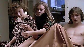 A nos amours (1983) Sandrine Bonnaire