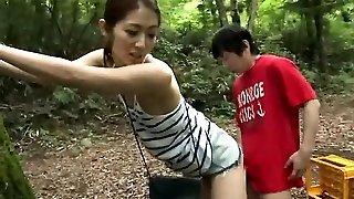 Japanese amateur has outdoor sex