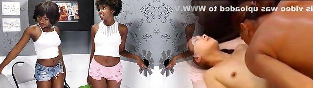 Noemie Bilas & Daizy Cooper Smashes White Large Dick - Gloryhole