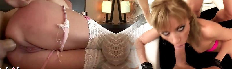 Whorey mature wench has her pussy pulverized