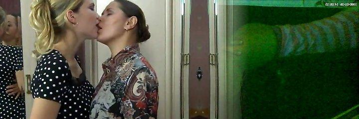 RUSSIAN MATURE EMILIA & CECILIA 02