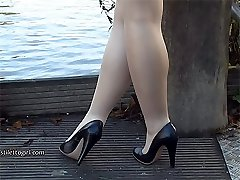 Uber-cute leggy Lauryn makes your shoe fetish rise up until your high heel cream explosion