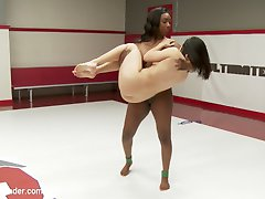 Lea Lexis takes on season 12 rookie cup finalist, Lisa Tiffian in an extremely full competitive...
