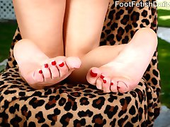 April has fallen asleep with her boyfriend around. He cant get enough of her sexy feet in his...