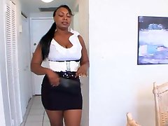 Bubble butted ebonies in hot lesbo action