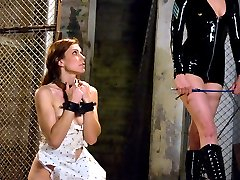 Delilah Knight is quickly discovering her full potential as a submissive. She endures every...