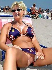 Naked girls sunbathes fully nude