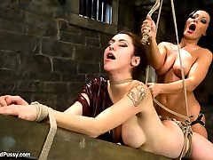 Before leaving the country for good Sandra Romain gives Princess Donna a little going away...