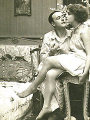 Brunette ladies from 1920