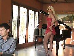 Super Hot MILF Rhylee Richards 2