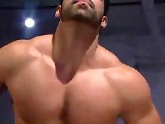 Hombres Musculosos