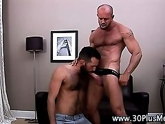 Bear sucks muscly hunks cock