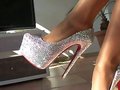 LGH - Tamia Heels und Nylons - powered by ladygaga-heels