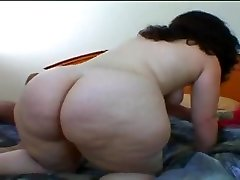 Chubby MILF taking Santas cock balls deep down her shaved pussy and a cumshot on her face
