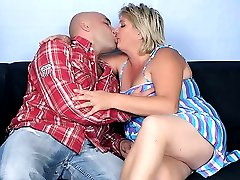 Chubby mature babe Sussana welcomes her guest with a blowjob and gets her pussy plowed hard