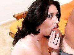 Hot BBW gets her plump twat eaten
