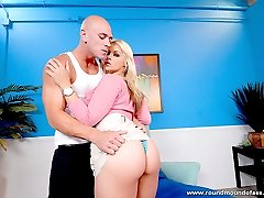 Ravishing blonde proudly shows her big ass while giving blow job