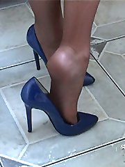 You keep looking at women's shoes like this worn by an attractive lady, then you get that rush of desire as your feelings become hardened in you're fetish! Let Michelle nurture your desires as she brings your feelings to completion once again, punctuated of course by the tap of that high heel