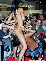 ScandalShows.com - Pictures videos from real public sex shows.