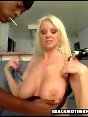 black dude fucks older white chick