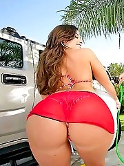Extreme round booty vanessa get her smokin ass all wet in this outdoor carwash then her mega ass rides a hard cock in this update