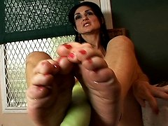 Mature feet massage phallic looking vegetable