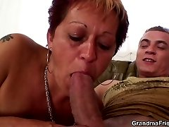 Mature slut uses all her sexual knowledge to show these two guys a damn fine time