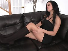 Brunette Babe in Boots - Mavenhouse